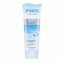 Матирующая пенка для умывания Pond`s 50 ml / Pond`s Clear Balance Oil conrol facial foam 50 ml